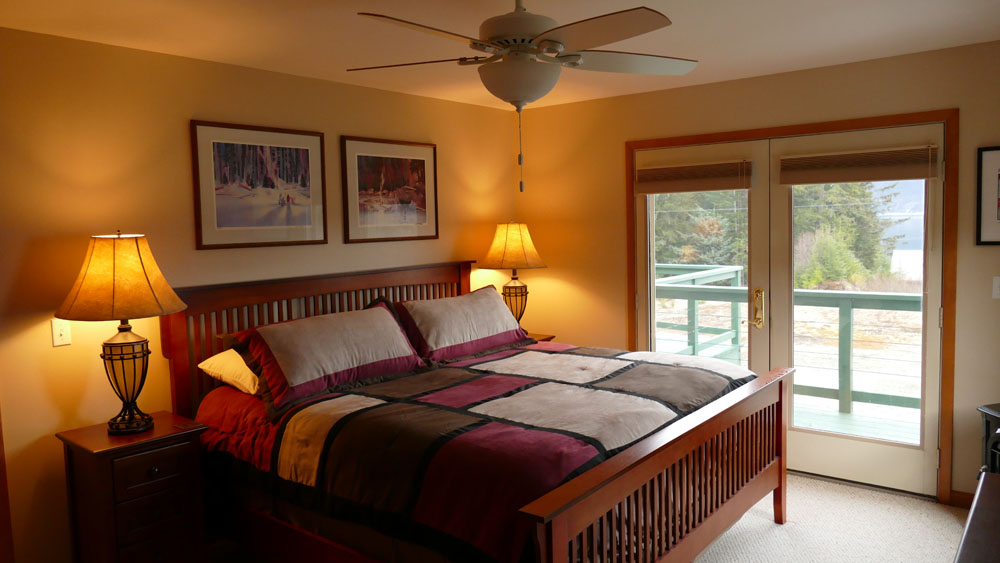 Vacation Rental House Master Bedroom Lynn View Lodge Vacation Rentals And Rent Cars